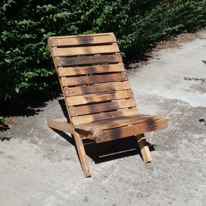 deck_chair_burnt